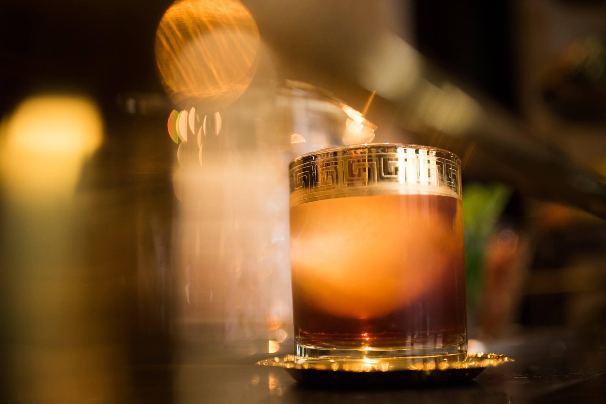 grant-grill-San-Diego-restaurant-cocktail